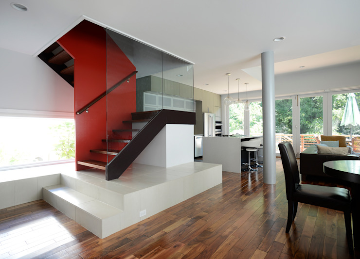 ARCHI-TEXTUAL, PLLC Modern corridor, hallway & stairs Red