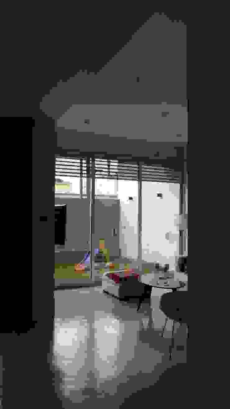 Living Estar. Vista al patio. Livings modernos: Ideas, imágenes y decoración de NG Estudio Moderno Hormigón