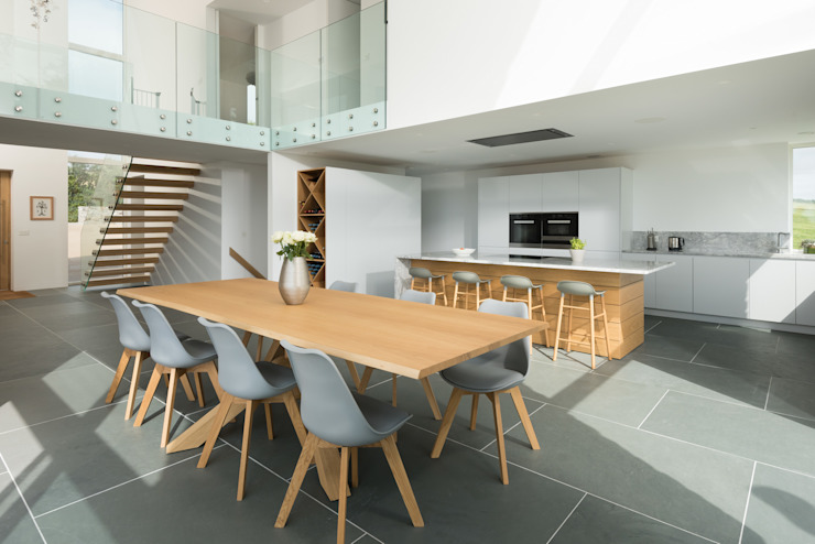 Contemporary Replacement Dwelling, Cubert:  Dining room by Laurence Associates,