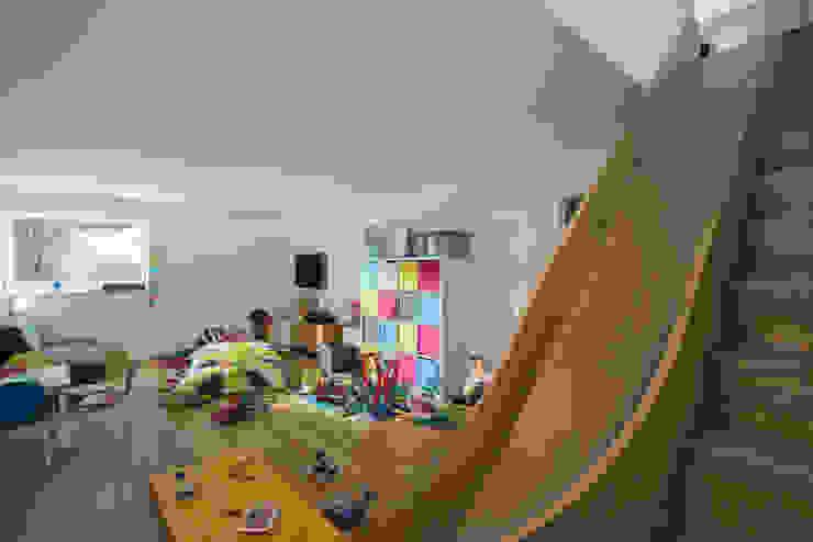 Contemporary Replacement Dwelling, Cubert Laurence Associates Modern nursery/kids room