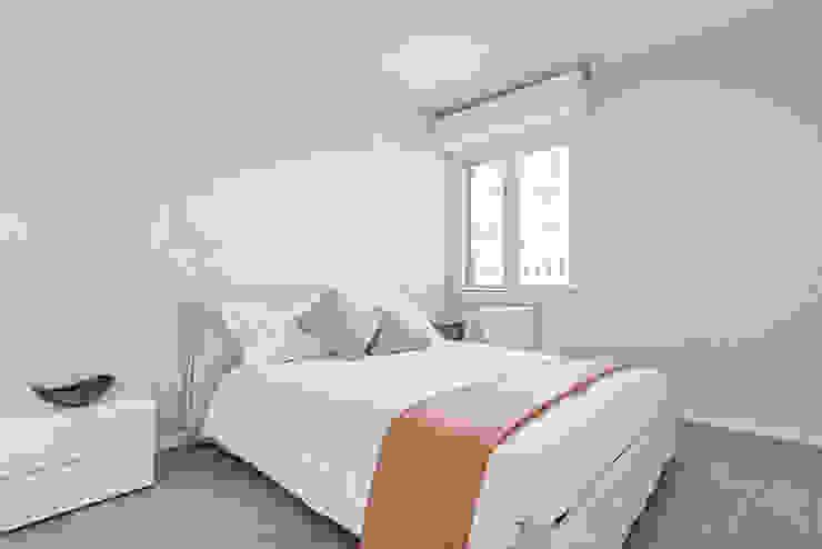 Facile Ristrutturare Dormitorios de estilo moderno