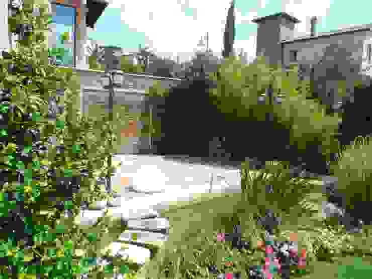 Toscana Sitesi Ece Botanik & Eksen Peyzaj Modern