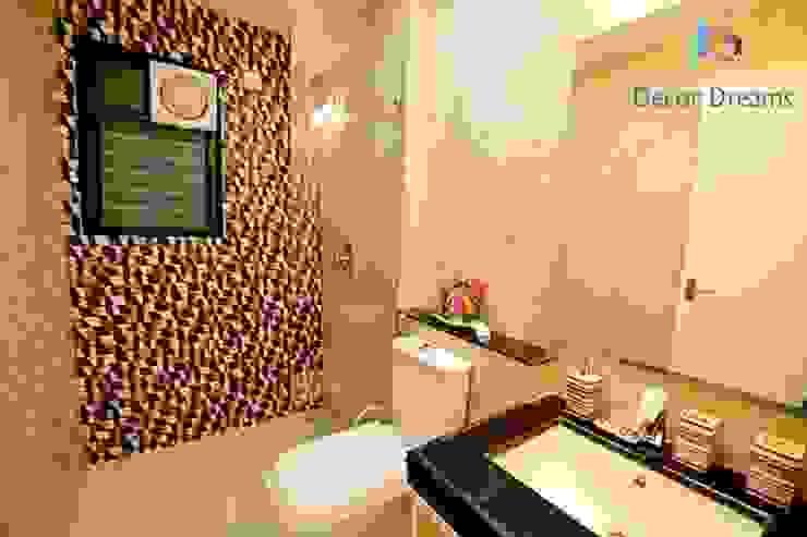 Scandinavian style bathroom by DECOR DREAMS Scandinavian