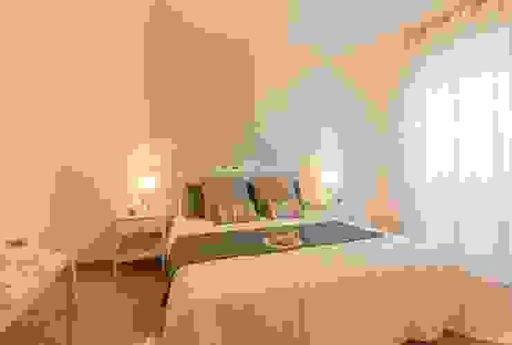 Airone, Home Staging per la Microricettività Anna Leone Architetto Home Stager Camera da letto minimalista