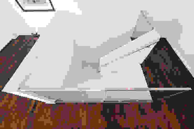Modern Corridor, Hallway and Staircase by Helwig Haus und Raum Planungs GmbH Modern