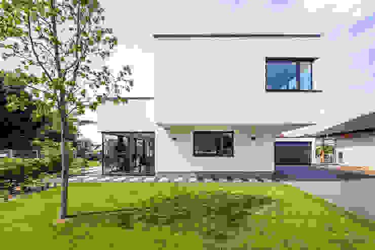 Modern home by Helwig Haus und Raum Planungs GmbH Modern