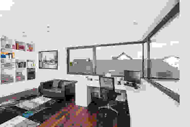 Estudios y despachos de estilo  de Helwig Haus und Raum Planungs GmbH, Moderno