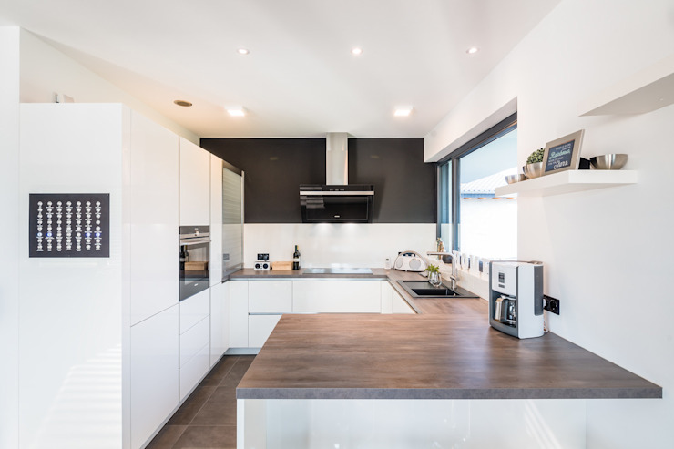 Spiel mit drei Kuben Moderne Küchen von Helwig Haus und Raum Planungs GmbH Modern