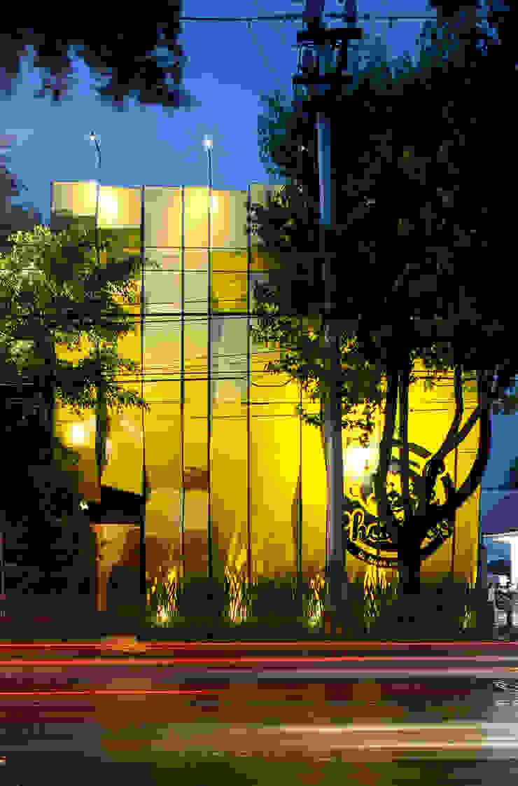 Boutique de Arquitectura (Sonotectura + Refaccionaria) Modern gastronomy