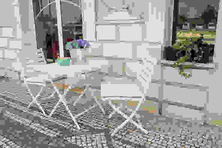 STREIGHTEX Balconies, verandas & terraces Furniture Plastic White