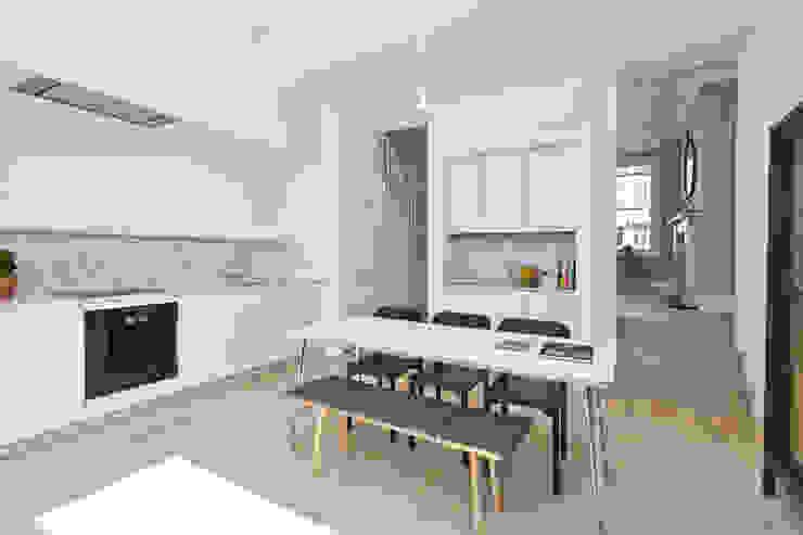 Modern Dining Room by homify Modern MDF