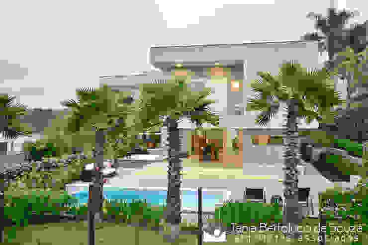 Projeto Arquitetônico por Tania Bertolucci de Souza | Arquitetos Associados Moderno