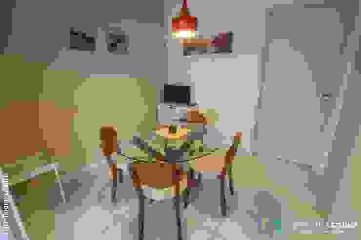Área social—Apartamento contemporâneo Minimalist dining room by Camarina Studio Minimalist