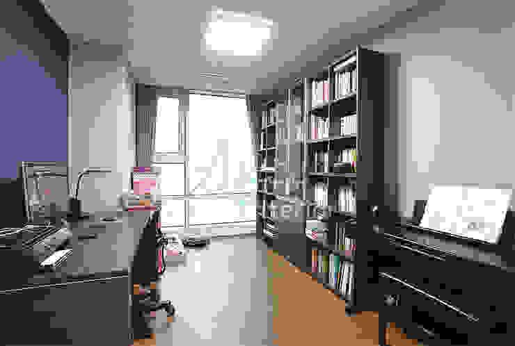 호텔객실같이 깔끔한 아파트 인테리어_47평대 모던스타일 다이닝 룸 by 디자인 아버 모던