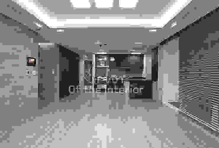 호텔객실같이 깔끔한 아파트 인테리어_47평대 모던스타일 거실 by 디자인 아버 모던