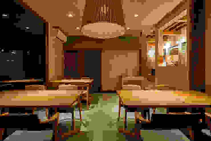 Nhà hàng by 水谷壮市