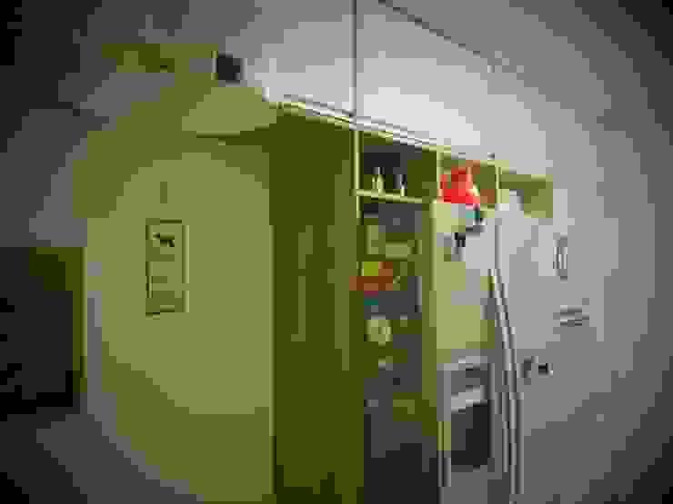 مطبخ ذو قطع مدمجة تنفيذ tsmarquiteto,