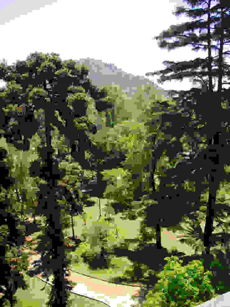 Vista al Parque Forestal Casas de estilo ecléctico de Francisco Vicuña Balaresque Ecléctico