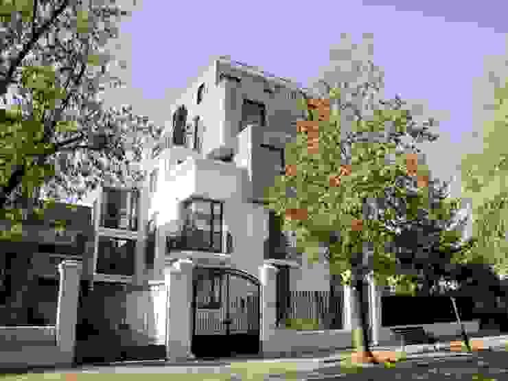 Penthouse Triplex · Barrio Italia Casas de estilo ecléctico de Francisco Vicuña Balaresque Ecléctico