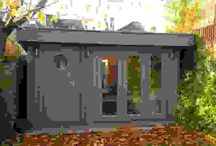 Custom designed garden room with integral shed / store Garden Affairs Ltd Гараж/сарай Дерево Сірий