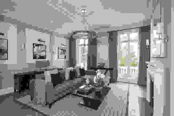 غرفة المعيشة تنفيذ London Home Staging Ltd