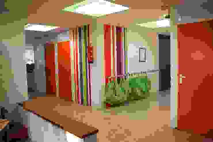 Muurschildering hal Moderne scholen van janny doornbos architektonische vormgeving Modern