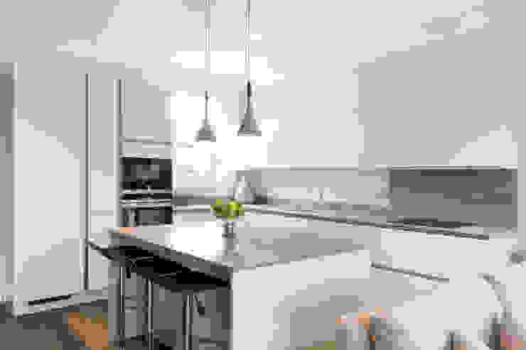 Kensal Green Flat Modern Kitchen by London Home Staging Ltd Modern