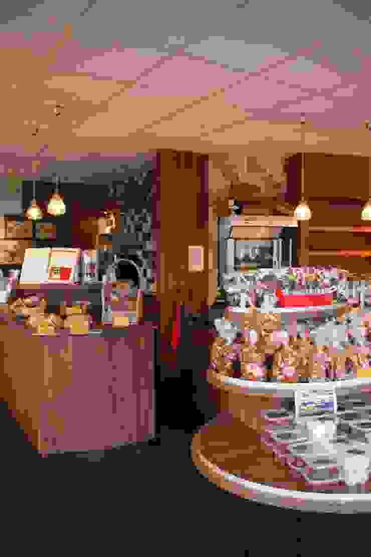 Winkel Moderne winkelruimten van janny doornbos architektonische vormgeving Modern