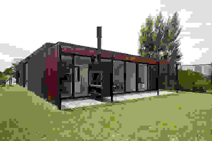 現代房屋設計點子、靈感 & 圖片 根據 Luciano Kruk arquitectos 現代風