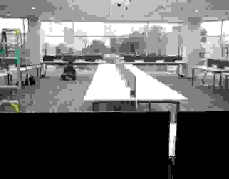 datacomm grha Kapt.Tendean Jkt Ruang Studi/Kantor Modern Oleh sigmaDKNP Modern Kayu Buatan Transparent