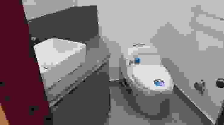 Baño social Baños de estilo moderno de bdl concept/studio Moderno