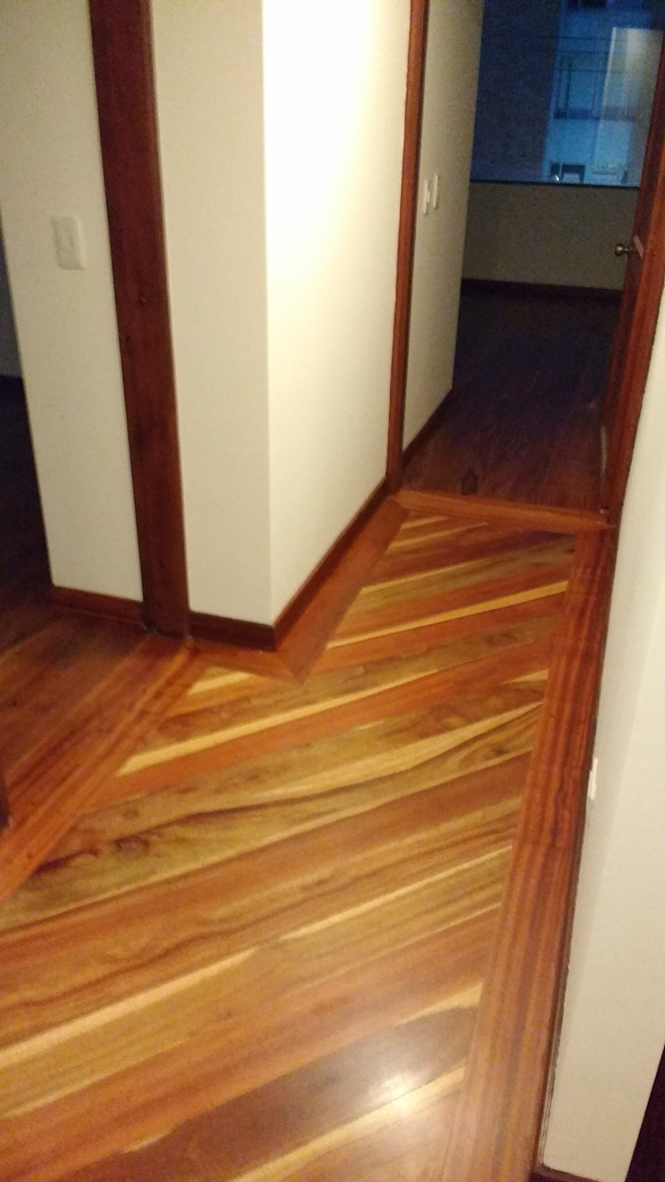 Piso en madera Paredes y pisos de estilo moderno de bdl concept/studio Moderno