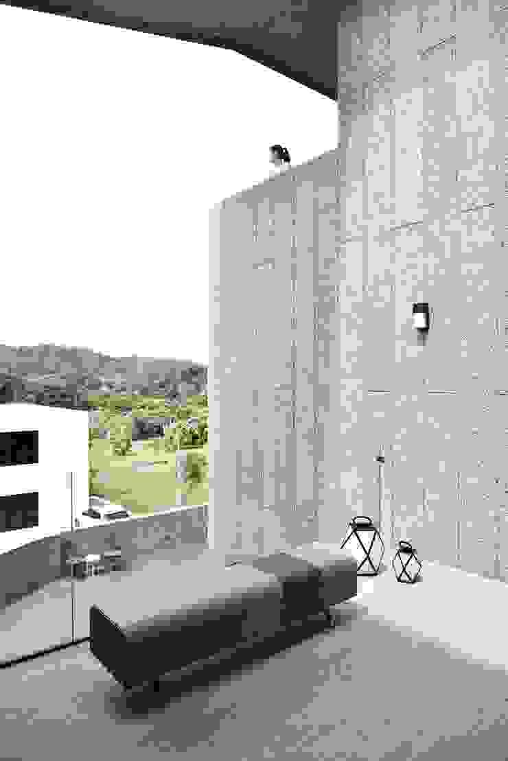 Modern home by 行一建築 _ Yuan Architects Modern