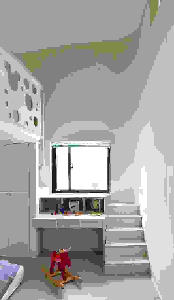 Modern style bedroom by 行一建築 _ Yuan Architects Modern