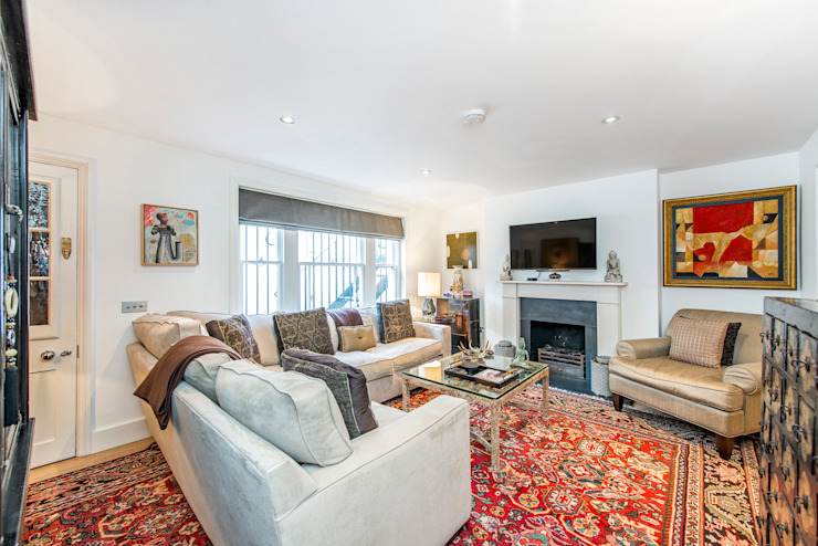 Living room من Prestige Architects By Marco Braghiroli حداثي