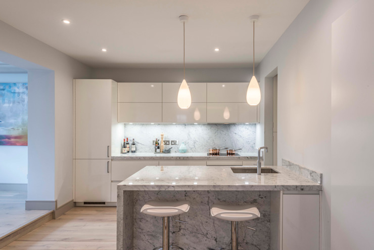 Kitchen Кухня в стиле модерн от Prestige Architects By Marco Braghiroli Модерн