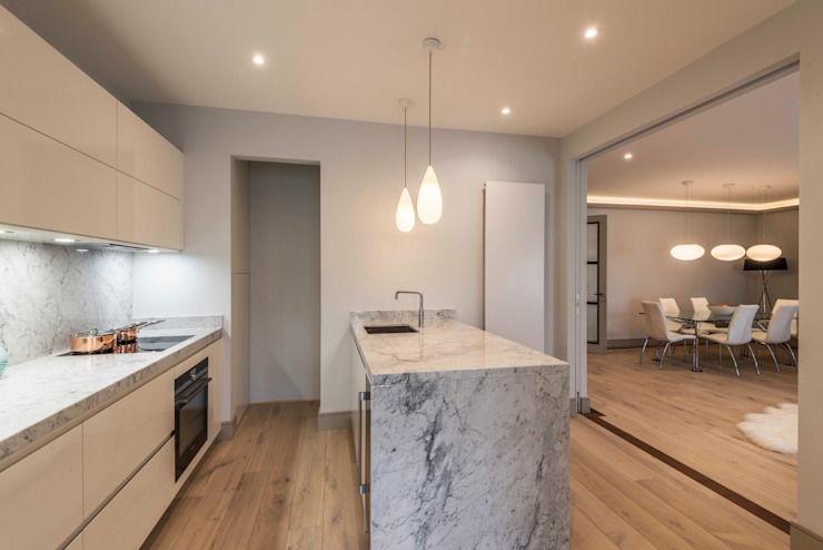 Kitchen 現代廚房設計點子、靈感&圖片 根據 Prestige Architects By Marco Braghiroli 現代風
