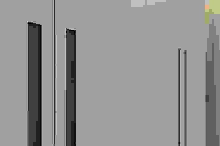 Bedroom Гардеробная в стиле модерн от Prestige Architects By Marco Braghiroli Модерн