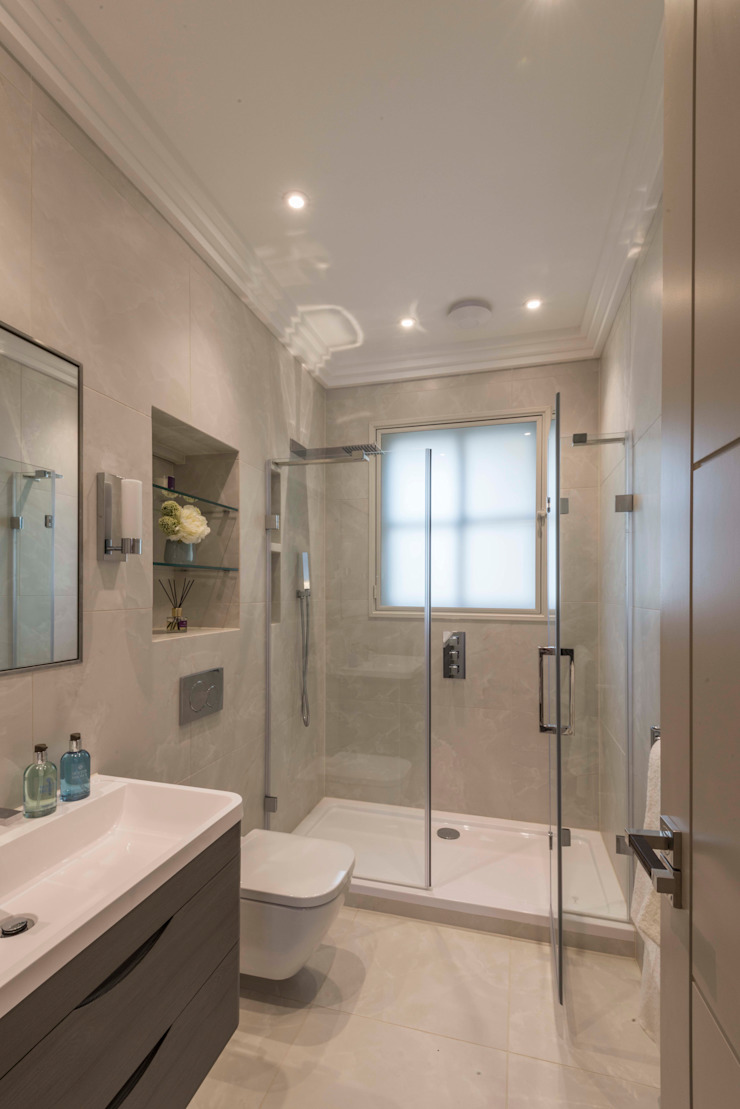 Bathroom Ванная комната в стиле модерн от Prestige Architects By Marco Braghiroli Модерн