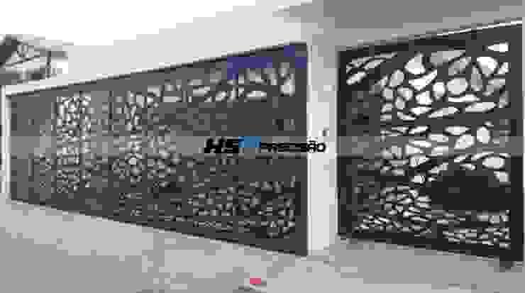 Porta e Portão Decorativo em Metal Arte Casas modernas por HS Precisão - Metal Design Moderno Ferro/Aço