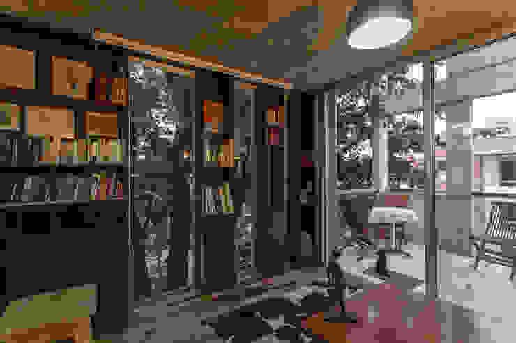 Jacinto Chiclana Estudios y oficinas minimalistas de Ciudad y Arquitectura Minimalista