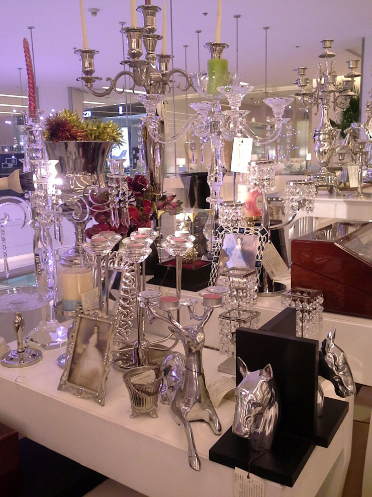 Tyme Boutique ของตกแต่งบ้าน ในราคาขายส่ง: คลาสสิก  โดย Tyme Holding Co.,Ltd, คลาสสิค กระจกและแก้ว