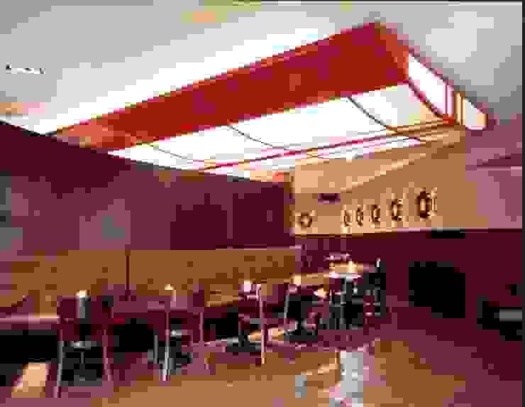Restaurant & Bar *BOLERO* Moderne Bars & Clubs von Andras Koos Architectural Interior Design Modern MDF