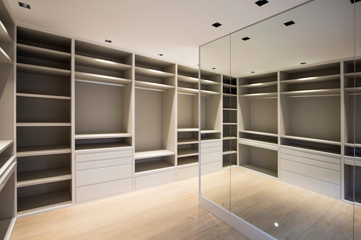 Modern Giyinme Odası Bocetto Interiorismo y Construcción Modern