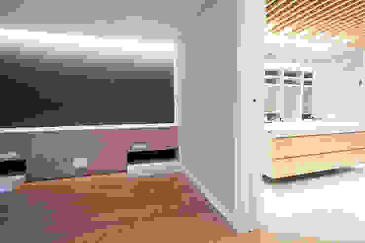 Reforma Piso en Avilés Dormitorios de estilo moderno de Bocetto Interiorismo y Construcción Moderno