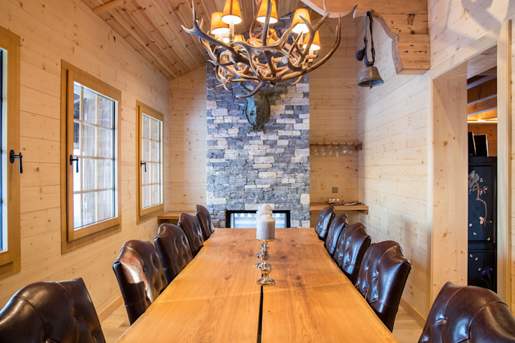 Dining room Rustic style dining room by Prestige Architects By Marco Braghiroli Rustic