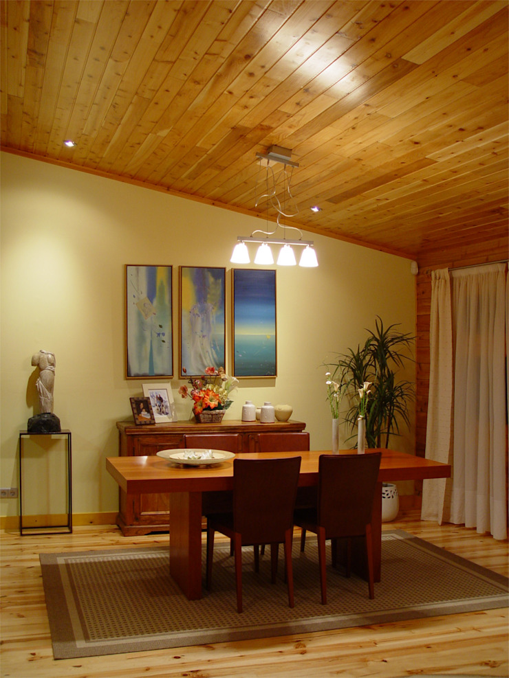 RUSTICASA | House in Dagorda | Cadaval Ruang Makan Modern Oleh Rusticasa Modern Parket Multicolored