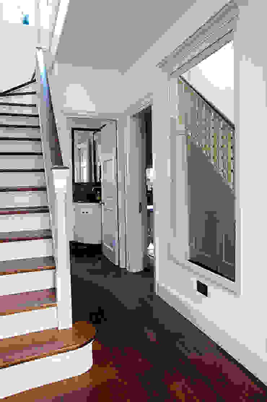 Hall and Staircase Prestige Architects By Marco Braghiroli Ingresso, Corridoio & Scale in stile classico