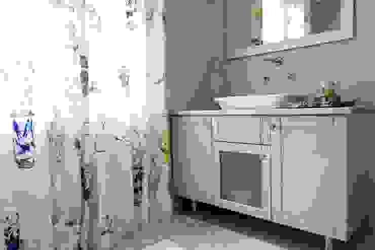 Kamar Mandi Klasik Oleh House Couture Interior Design Studio Klasik