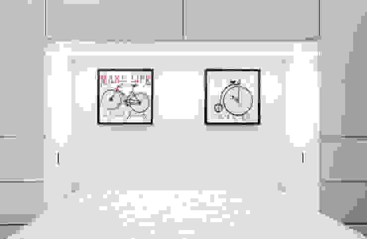 Modern style bedroom by SUMA Architektów Modern